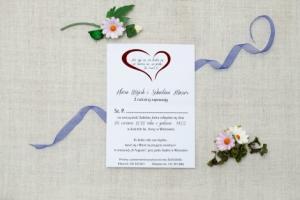 zdjęcie eleganckiego zaproszenia ślubnego